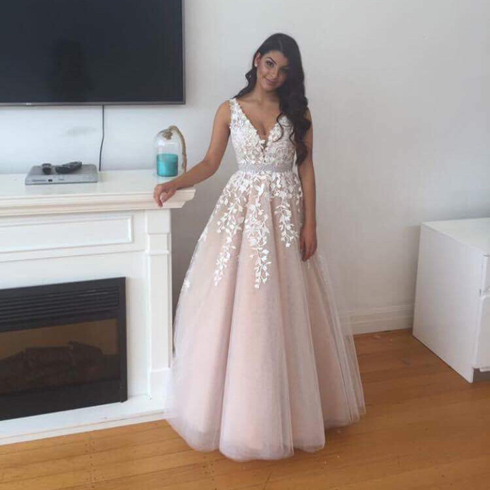 Fashion V neck Champagne Tulle Prom Dresses, Appliques Champagne Wedding Party