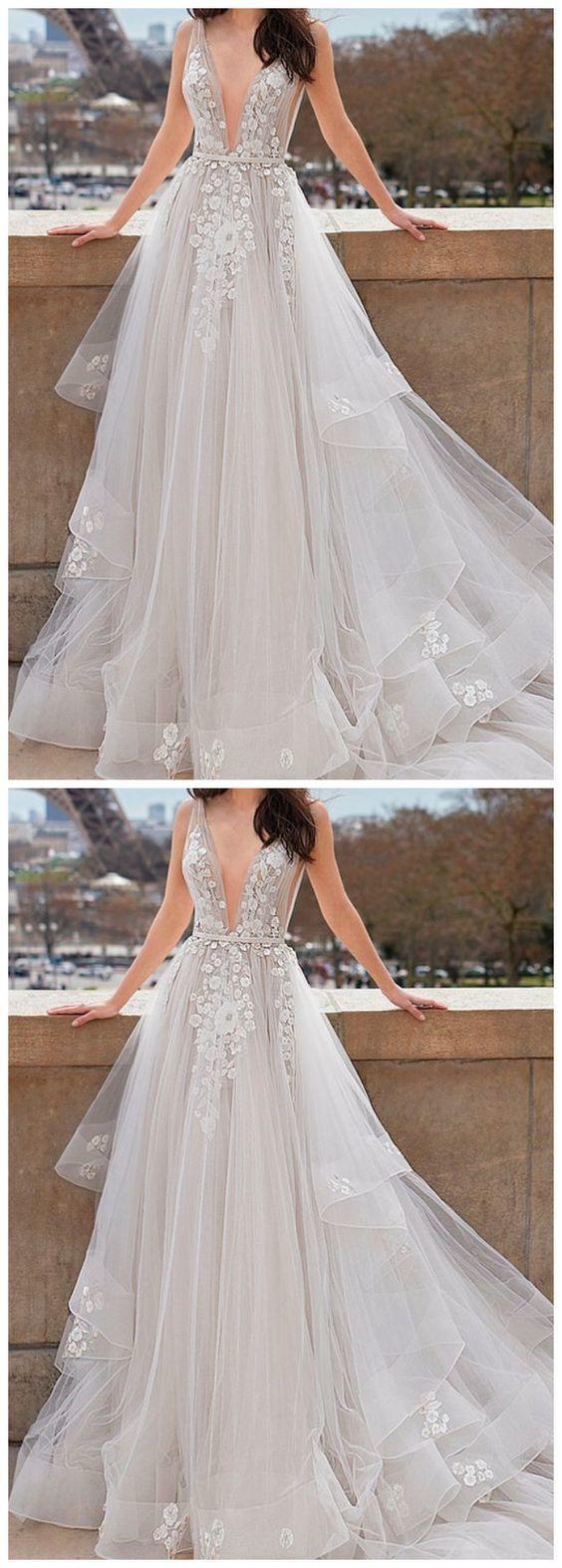 Elegant Lace Appliques Tulle Long Split Prom Dresses