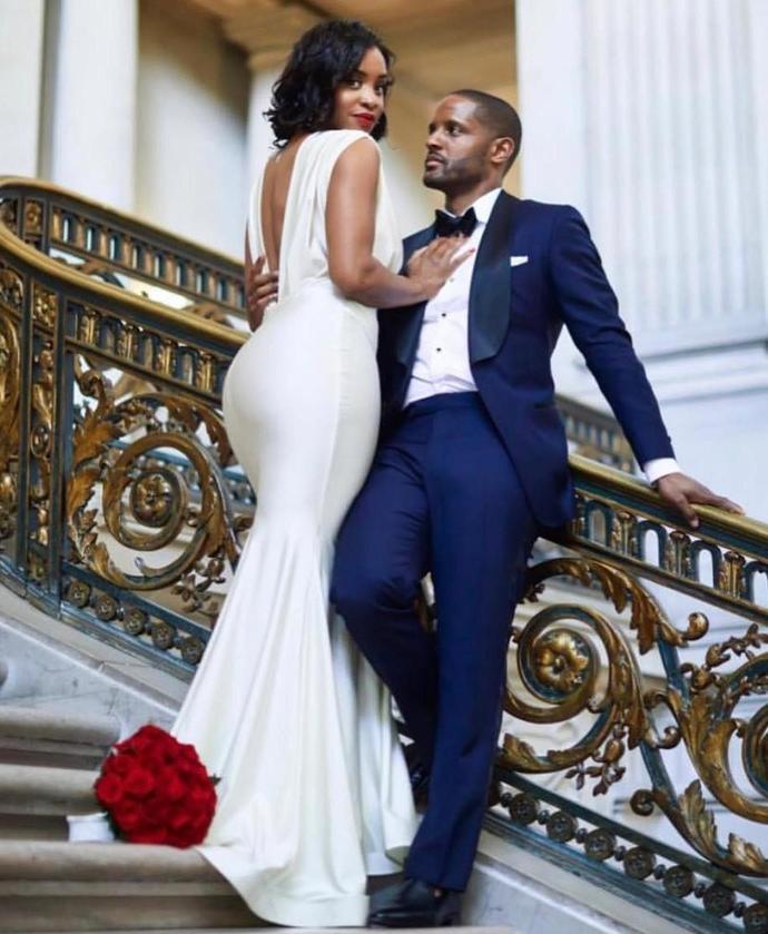 New 2020 Cheap Sexy Mermaid Wedding Dresses Deep V Neck Open Back Cheap Sweep