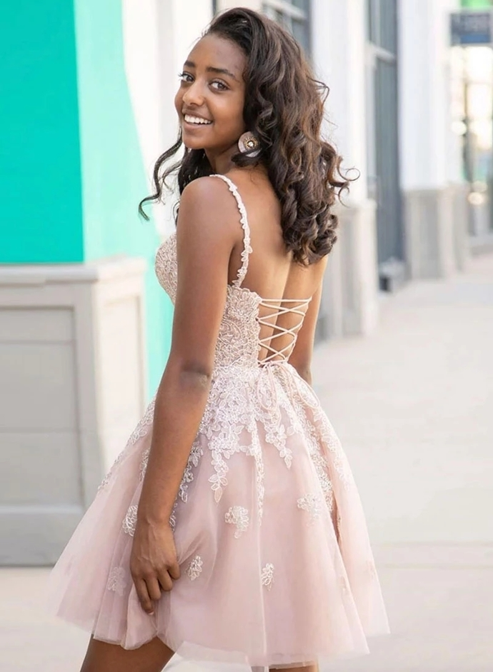 Tulle A Line Spaghetti Straps Short Homecoming Dress with Appliques