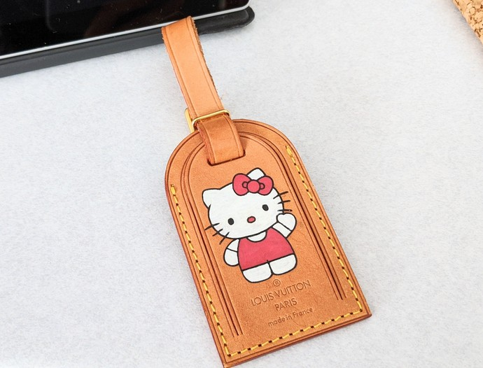 Customized altered Hello Kitty LV luggage tag - LV hand painted tag - Louis