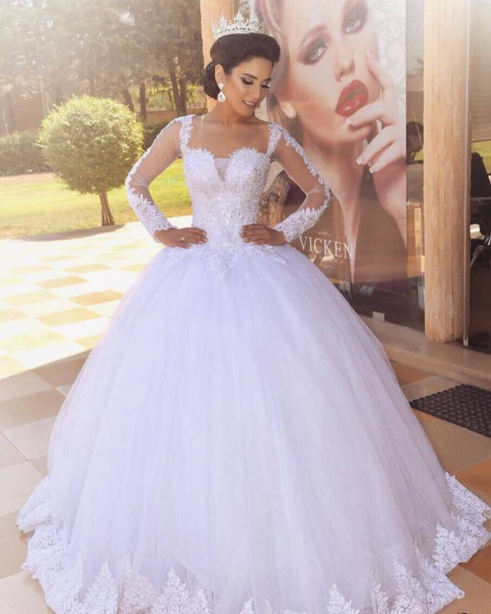 Long Sleeve White Tulle White Ball Gown Wedding Dresses with Appliques