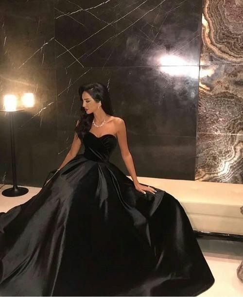 Sleeveless Black Prom Dress with Velvet Bodice