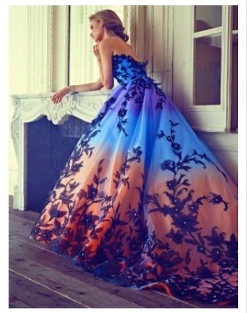 Elegant Prom Dresses Long Appliqued prom gown