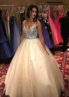 Newly Ball Gown Champagne Tulle V Neck 2020 Prom Dresses