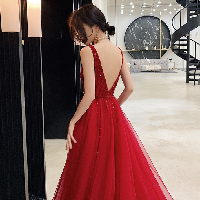 Classic A Line V Neck Red Long Prom/Evening Dress Appliques Beading T4765