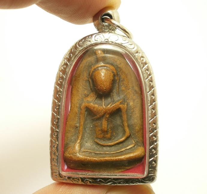 Phra Kampang Gleepbua of Kampaengpetch Antique Lord Buddha good luck money