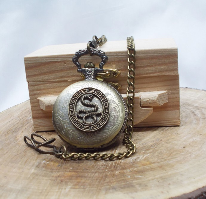 Pocket Watch with Swagger Chain in Wood Gift Box Cobra Artisan Design Quartz