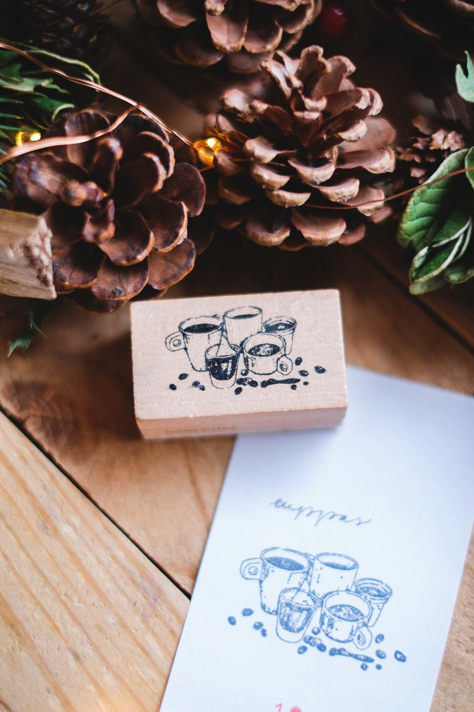 London Gifties design wooden rubber stamp - Cuppas - 5 x 3 cm