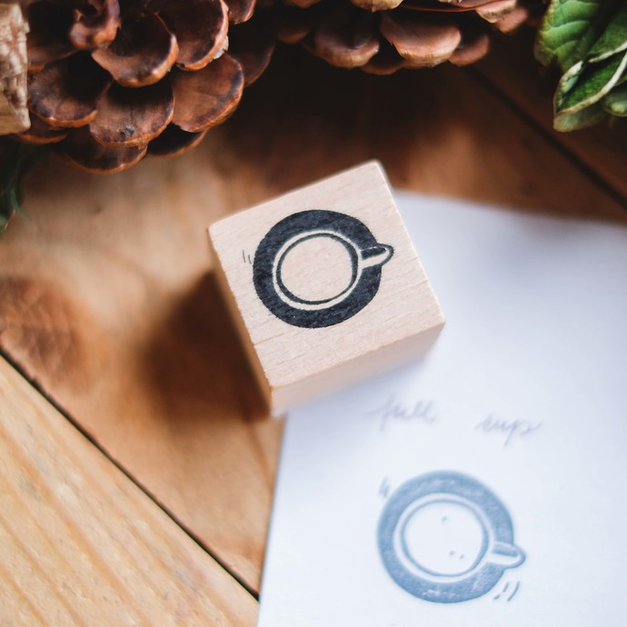 London Gifties design wooden rubber stamp - Full Cup - 3 x 3 cm