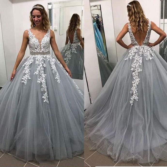 Charming Prom Dress,Tulle Prom Gown,Appliques Evening Dress,V-Neck Prom Gown