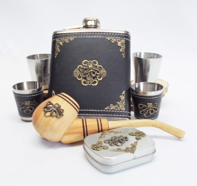 Flask Set and Tobacco Pipe in Gift Box Octopus Artisan Design Black Bronze