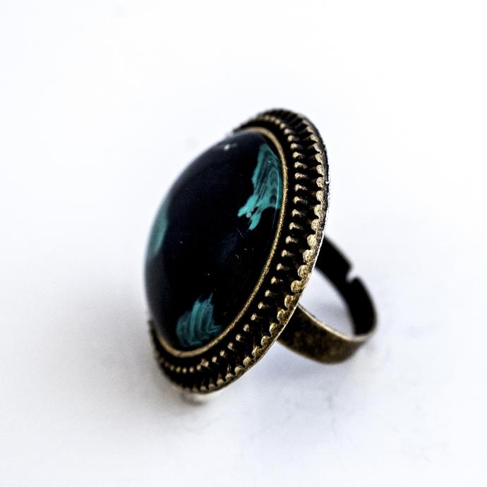 'Black Green' Big, Round, Lacy Ring