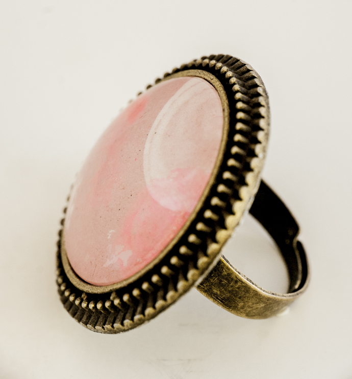 'Full Pink' Big, Round, Lacy Ring