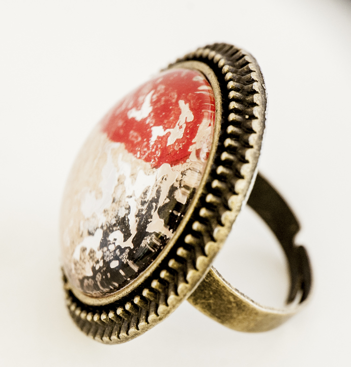 'Black White Red' Big, Round, Lacy Ring