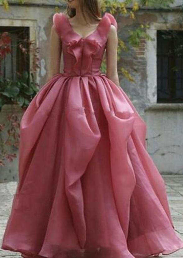 sexy sleeveless deep V-neck dance dress Women fashion floor length Pleated long