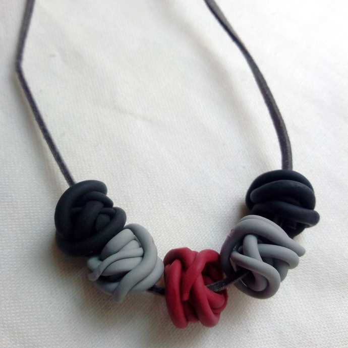 Black Grey and Magenta Squiggle Bead Necklace