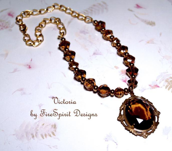 Victoria- handmade artisan necklace