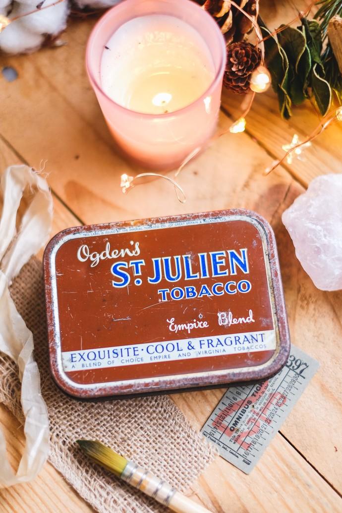 Exclusive handmade watercolour set in a vintage tin - Odgen's St. Julien - 14