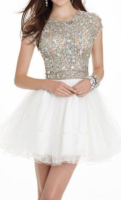 Elegant Tulle Crystal & Beading Short Homecoming Dresses