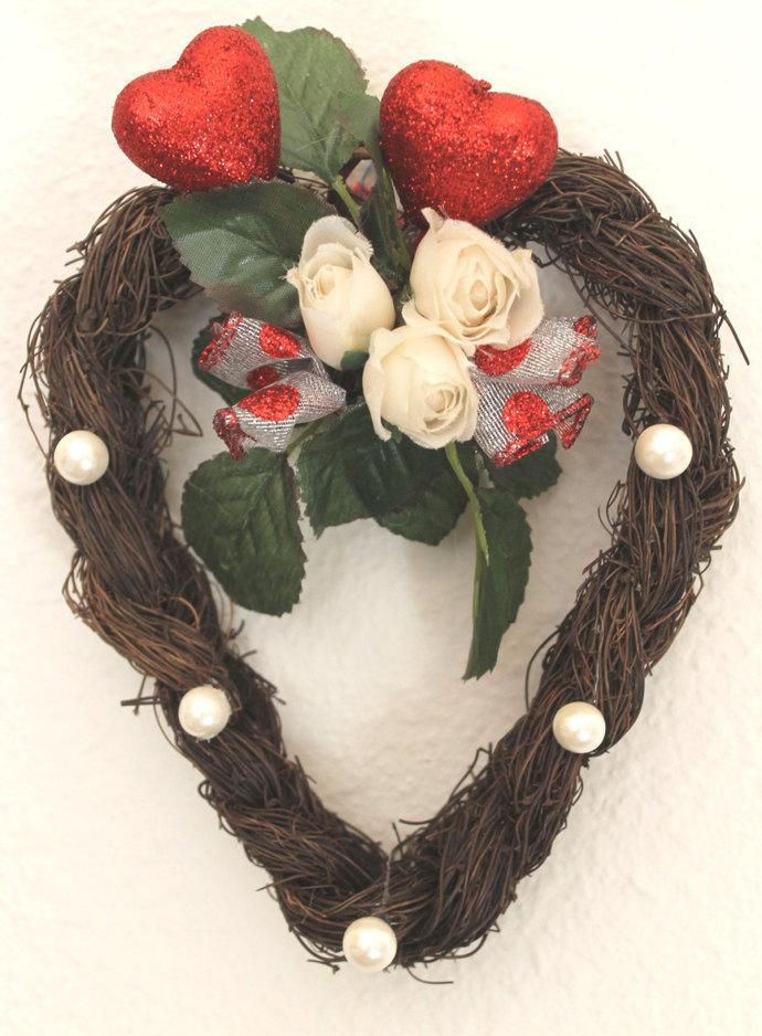 Natural Vine Braided Heart Wreath wall hanging With Hearts Roses and Pearls