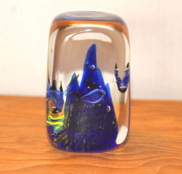 Ocean Waves Clear and Blue Hand-Blown Solid Glass Sculpture paperweight Vintage