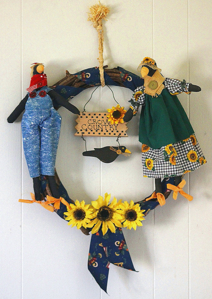 Crow Country fabric comical scarecrows 16 inch diameter grapevine wreath Autumn