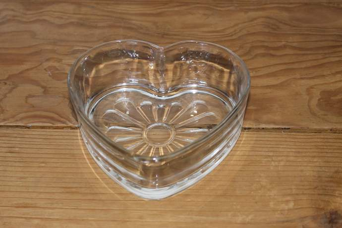 Heart Shaped Crystal Clear Pressed Glass Candy Dish Bowl Valentine's Day LOVE