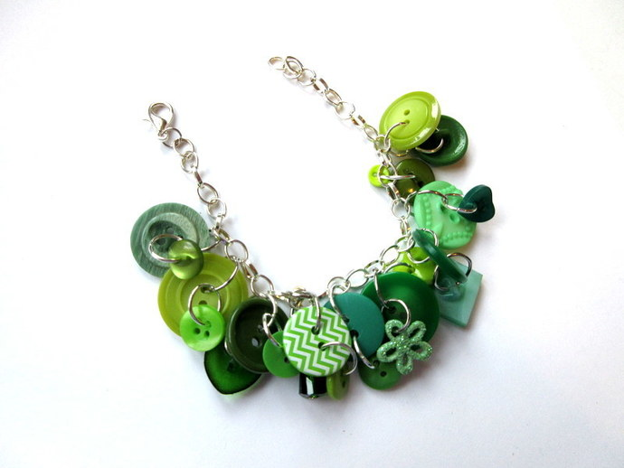 All About The Buttons Green Button Bracelet FREE US Shipping