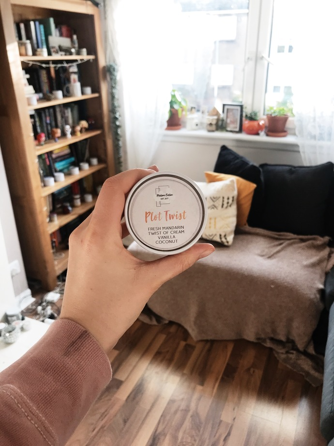 Plot Twist - 4oz Candle - Reading Inspired - Scented Soy Candle - Book Lover