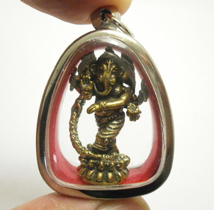 Lord Ganesha 3 Heads Blessing God of success Ganesh Ganapati elephant head