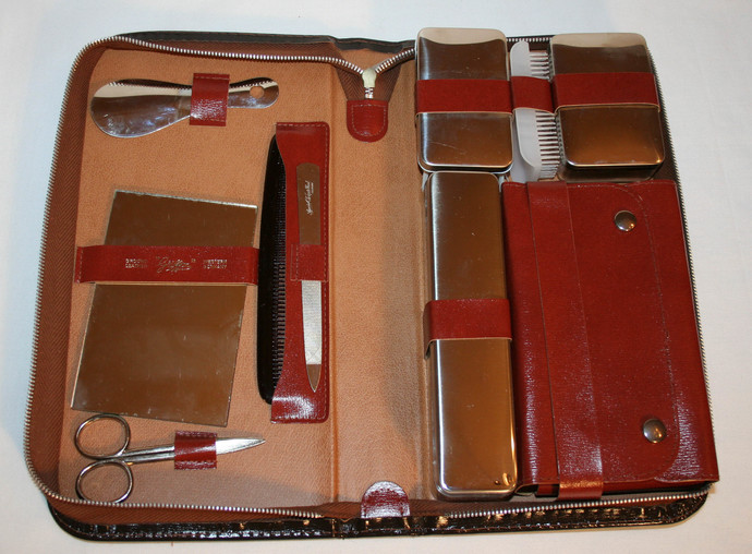 Vintage Griffon Men Grooming Kit Ground Leather Travel Zipper Case West Germany