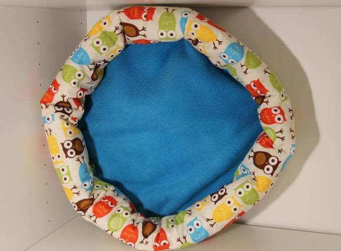 Large Owl Print Cat Bed