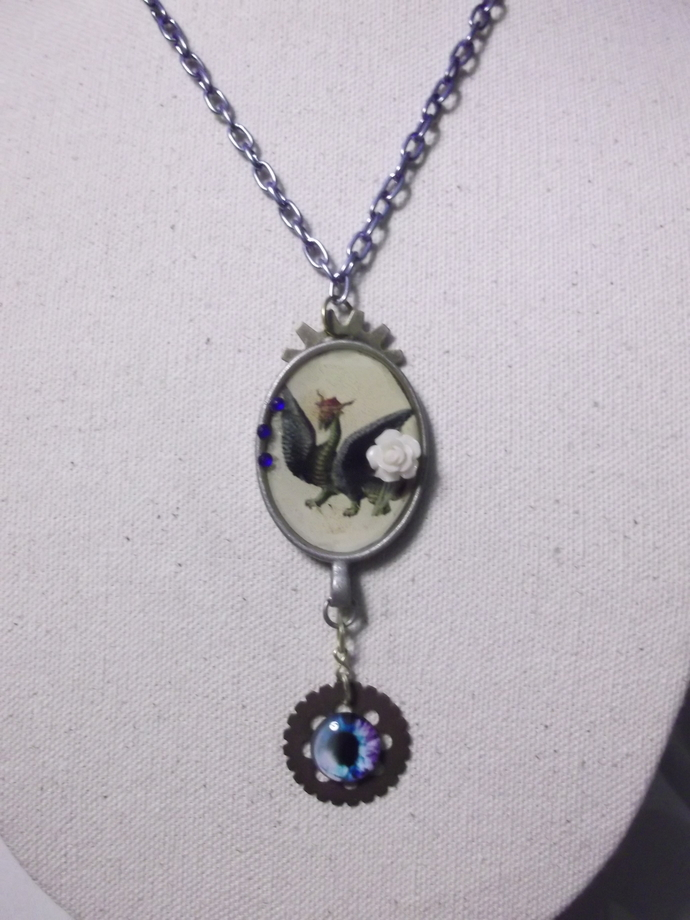 Resin coated dragon picture pendant necklace with dragon eye on gear pendant