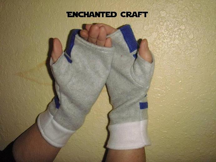 Fleece R2-D2 Fingerless Gloves for the Star Wars fan