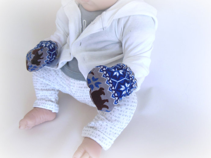Infant Scratch Mittens, Baby Mittens, No Scratch Mittens in Snowflakes and Bears