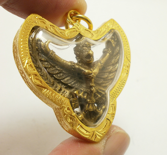 Phaya Krut Garuda magic Eagle bird Thai brass amulet pendant blessed strong life