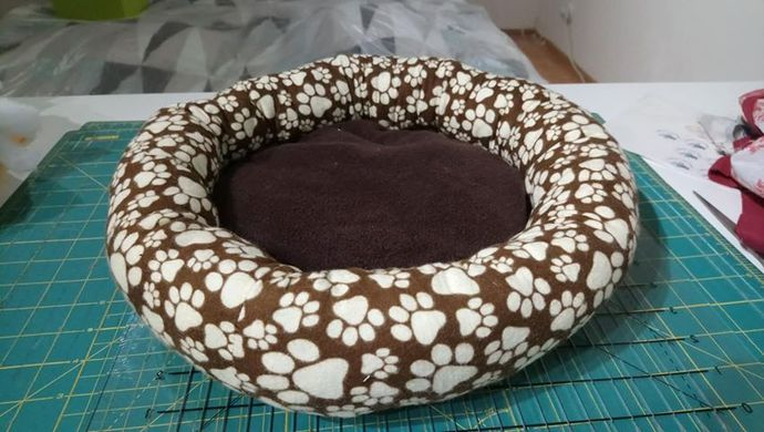 Small Paw Print Cat Bed
