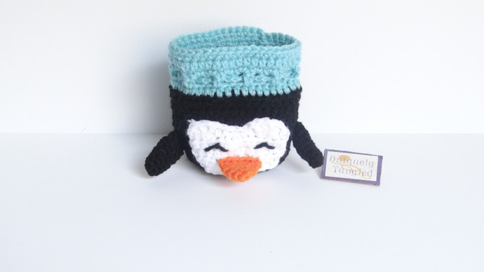 Penguin Pouch/Drawstring Bag- Crochet Pattern
