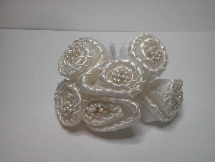 Cream Fabric Flowers*
