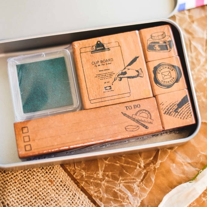 Fun & Joy wooden stamp set in a tin - List- set of rubber stamps & ink pad