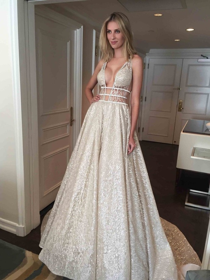 Champagne Prom Dress,Lace Prom Gown,V-Neck Evening Dress,A-Line Prom Gown 0153