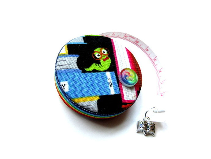 Tape Measure Books and Worms Small Retractable Measuring Tape