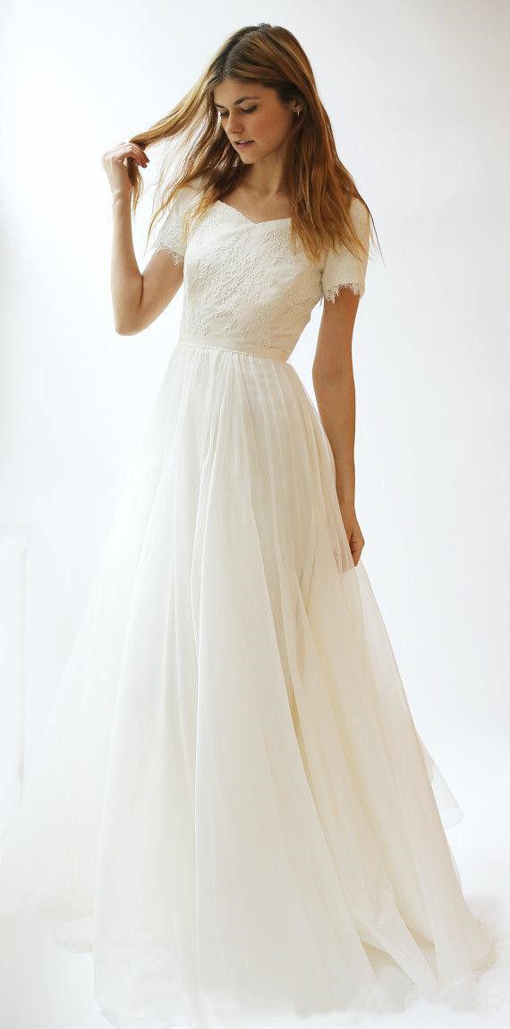 Modest Simple Beach Wedding Dresses 2020 A Line Lace Appliqued Bridal Gowns