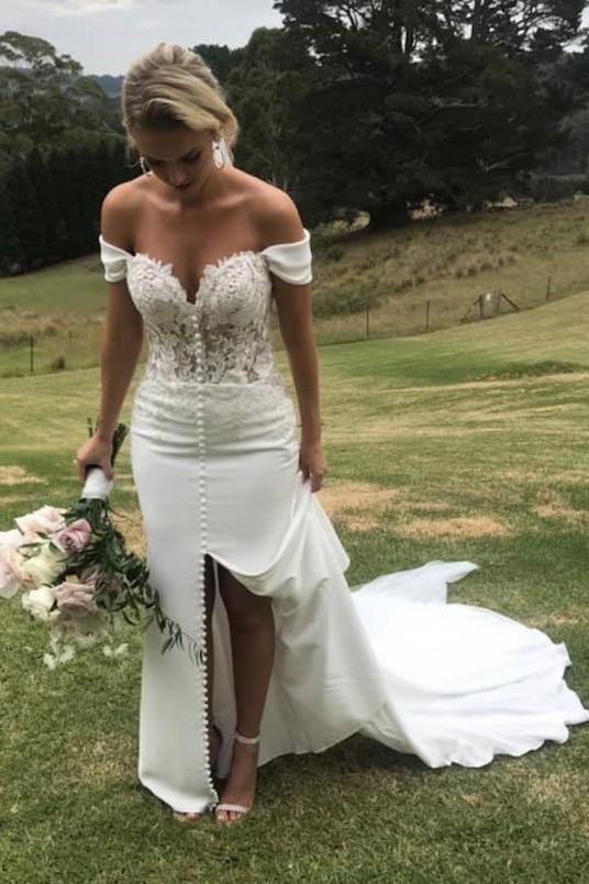 Off Shoulder Sweetheart A Line Wedding Dress with Split W6444