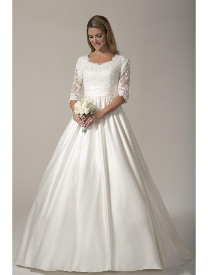 Designer Country Modest Wedding Dresses Long With Half Sleeves Lace Appliques