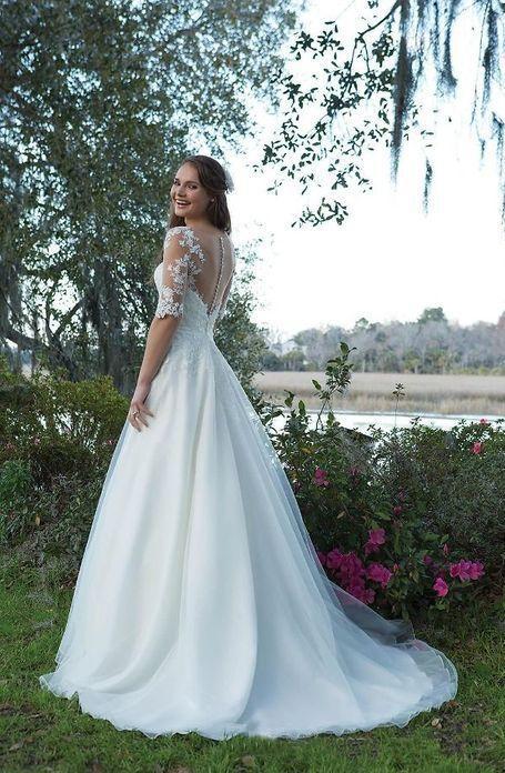 Scoop Tulle Neckline Half Sleeves Lace Applique A-line Wedding Dress illusion