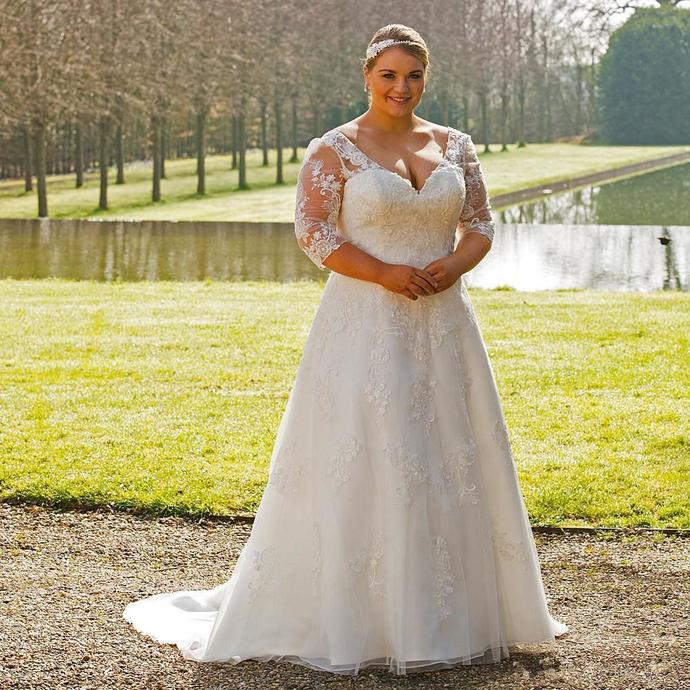 Vintage Lace Plus Size Wedding Dresses V-Neck 3/4 Long Sleeves Bridal Gowns