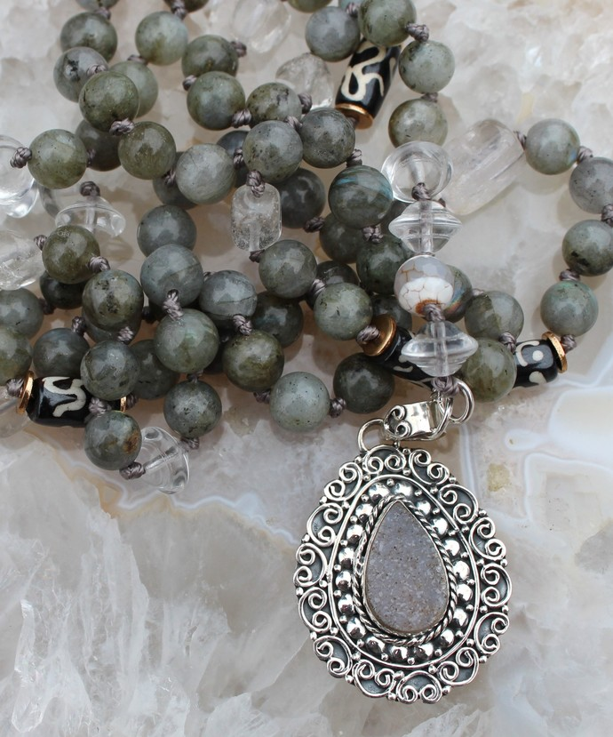Long Beaded Druzy Labordorite Necklace with Pendant Hand Knot Gray & White