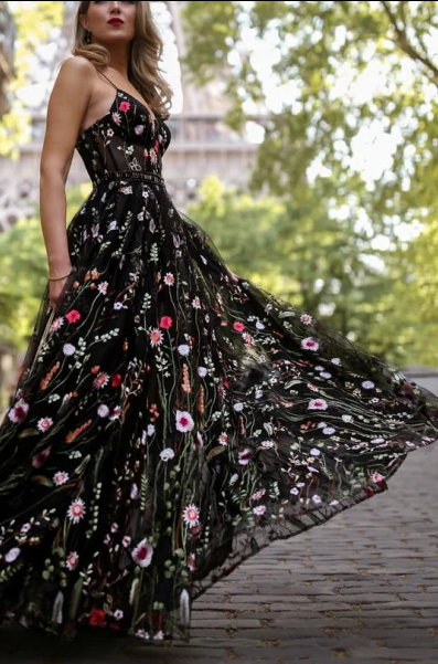 A-Line Spaghetti Straps Floor-Length Black Lace Prom Dress with Appliques 2647